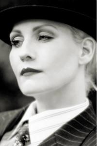 """Ottiliana som Greta Garbro, ur föreställningen """"I was Greta Garbo."""" Foto: Joshua Wood"""